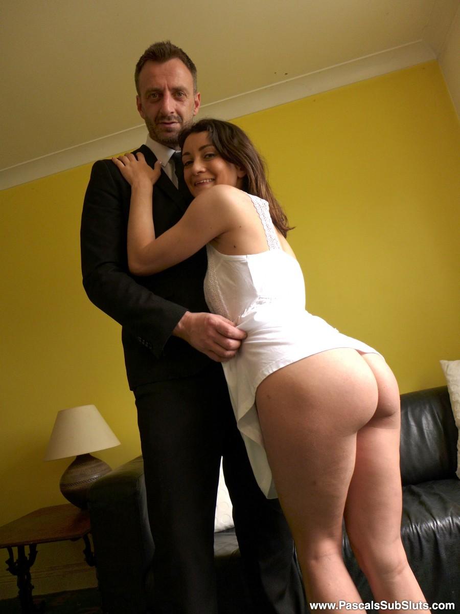 "SubSlut Valentina Bianco: ""Please spank my bottom, Daddy!"""