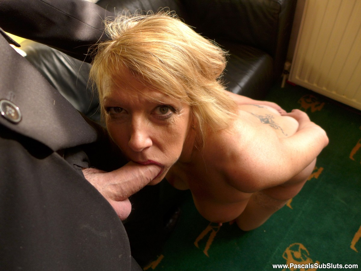 Come and play with SubSlut MILF Amy