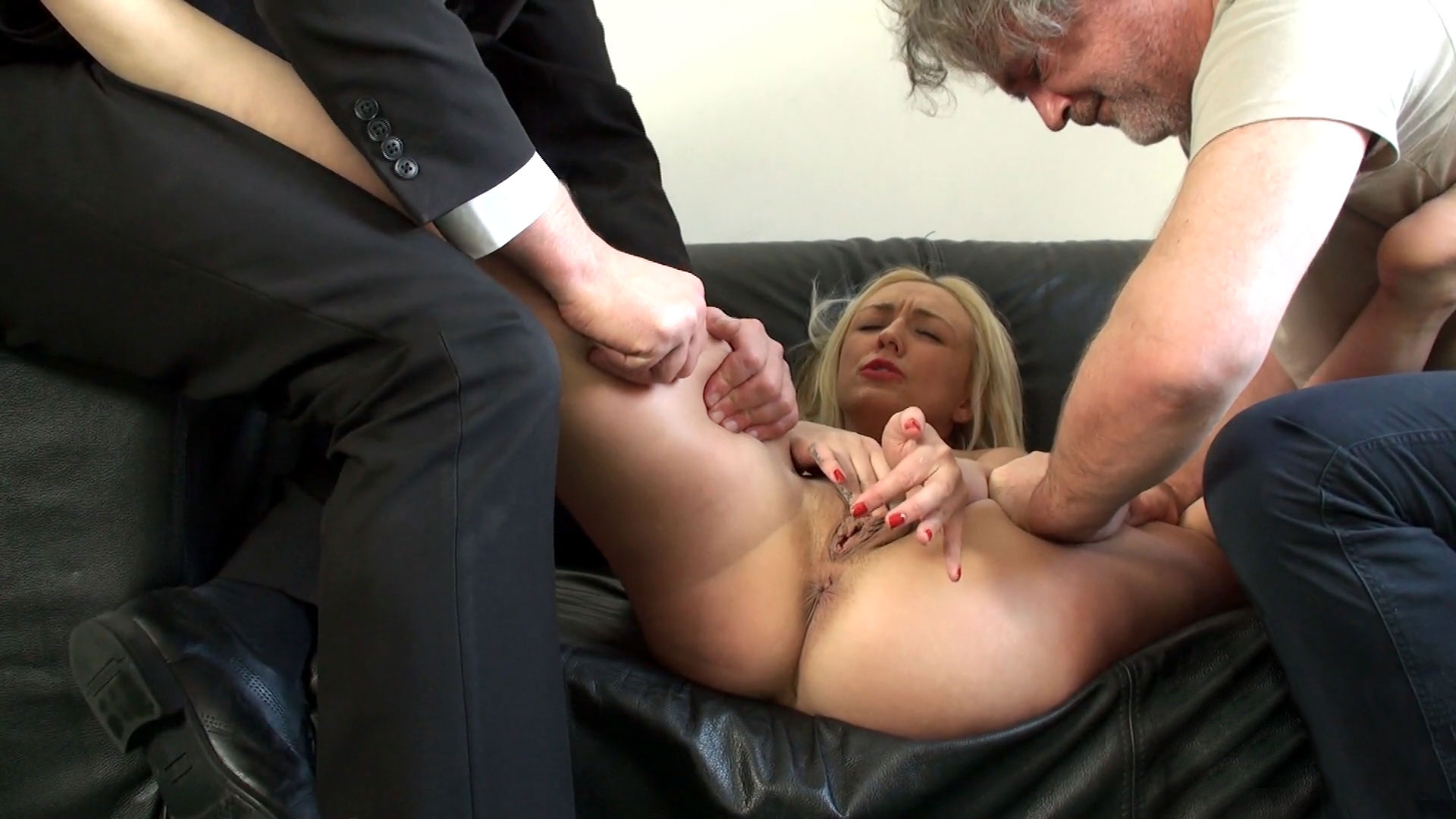 SubSlut Amber Deen: fetish for being squeezed & pinched