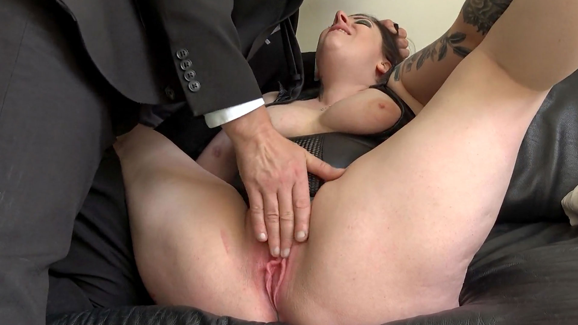 SubSlut Elouise Lust: well stoked, cums fast