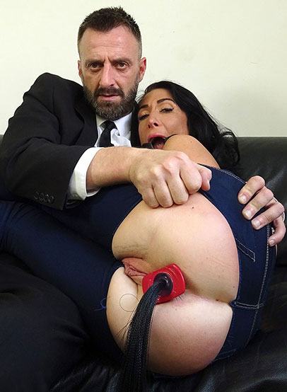 Say hello to 33-y.o. Ella Bella, a self-confessed switch. She eagerly spilled that she once picked up her ideal woman and dominated the fuck out of her with a strap-on. However, when shes in sub-mode she craves absolute domination which includes getting choked and deep fucking from beginning to end.